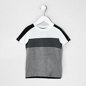 Mini - Wit en grijs gestreept T-shirt met kleurvlakken voor jongens