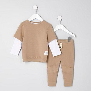 Mini - Outfit met camelkleurige gelaagde top en joggingbroek voor jongens