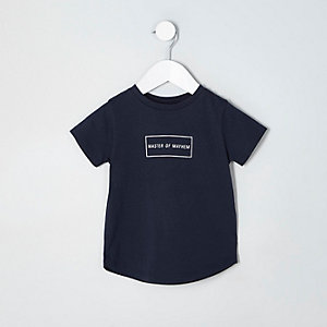 T-shirt bleu marine avec inscription « master of mayhem » mini garçon