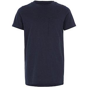Marineblauw T-shirt met zakje voor jongens