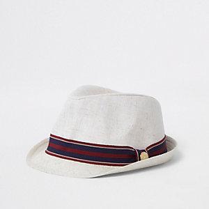 Chapeau trilby grège à bande rayée pour garçon