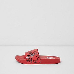 Boys red graffiti print sliders
