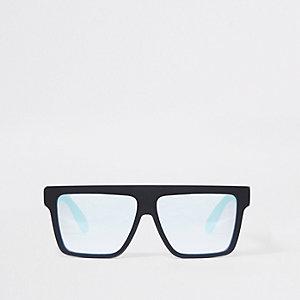 Zwarte rubberachtige zonnebril in visor-stijl met vierkante glazen