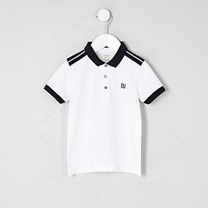 Mini - Wit poloshirt met borduursel op de borst voor jongens