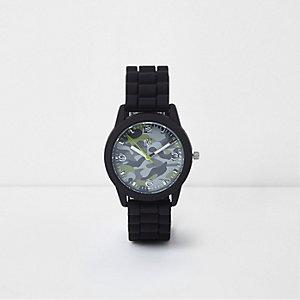 Zwart horloge met ronde wijzerplaat en camouflageprint voor jongens
