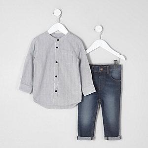 Outfit mit grauem, gestreiften Grandad-Hemd