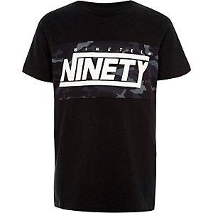 Zwart T-shirt met camouflage- en 'ninety-print voor jongens