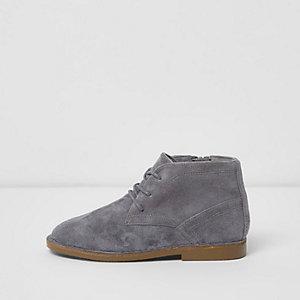 Desert boots grises en imitation daim pour garçon