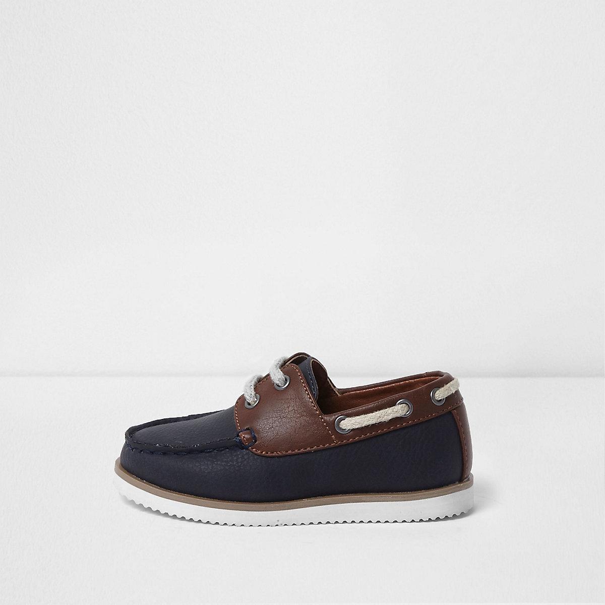4ac5518ba220 Chaussures bateau bleu marine à lacets mini garçon - Chaussures pour ...
