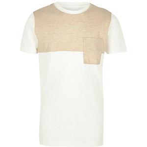 Crème met beige T-shirt met kleurvlakken voor jongens
