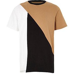 Hellbraunes T-Shirt mit Blockfarben-Design