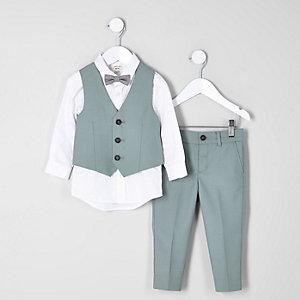 Salbeigrüner Anzug im Set