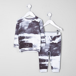 Mini boys grey mountain sweatshirt outfit