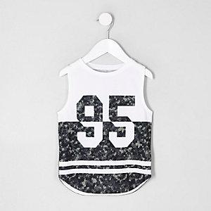 Mini boys white '95' camo print vest