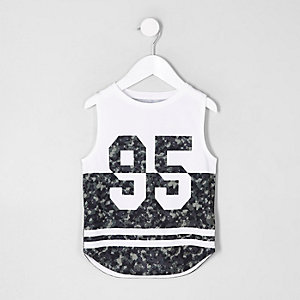 Mini boys white '95' camo print tank