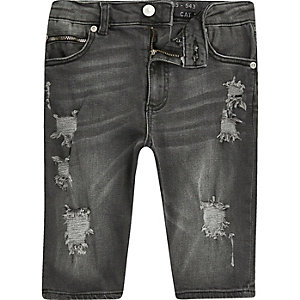 Boys black Sid skinny ripped denim shorts