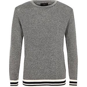 Zwarte pullover met contrasterend randje voor jongens