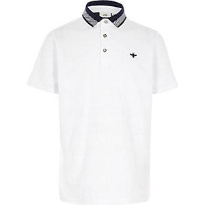 Weißes, strukturiertes Poloshirt