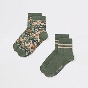 Grüne Socken mit Camouflage-Muster, Set