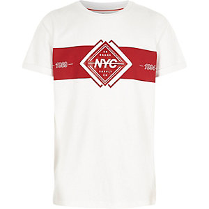 Wit T-shirt met 'NYC'-print en kleurvlak voor jongens