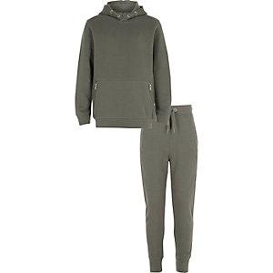 Outfit met kaki piqué hoodie voor jongens