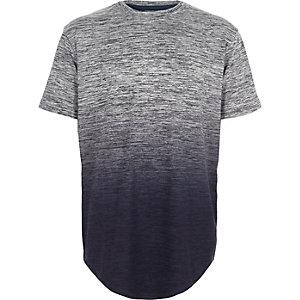 Blaues T-Shirt mit Farbverlauf