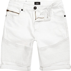 Dylan – Weiße Slim Fit Jeansshorts in Bikeroptik