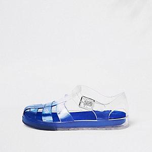 Blaue Gummisandalen