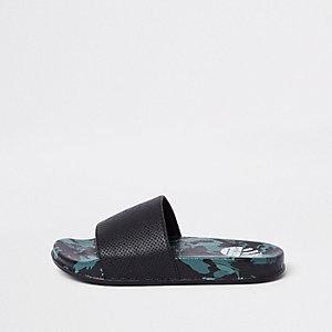 Khaki Slipper mit Camouflage-Muster