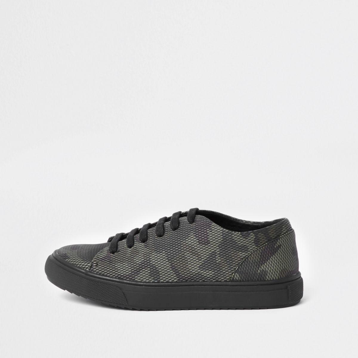 Boys camo lace up sneaker