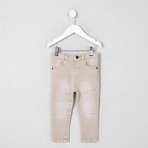 Sid – Pinke Jeans mit Einsatz