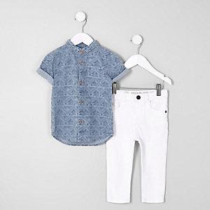 Outfit mit blauem Hemd mit Aztekenmuster
