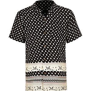 Schwarzes, kurzärmeliges Hemd mit Print