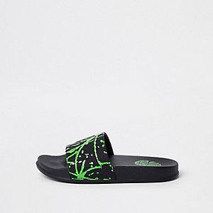 groene slippers met verfspetterprint voor jongens