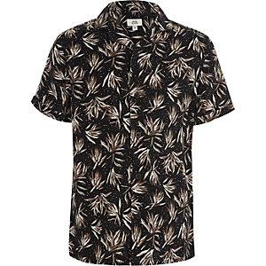 Zwart overhemd met korte mouwen en verenprint voor jongens