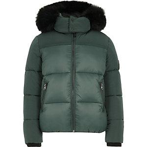Grüner, wattierter Mantel mit Kunstfellbesatz