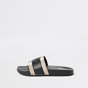 Kids black 'NYC' gold tone sliders
