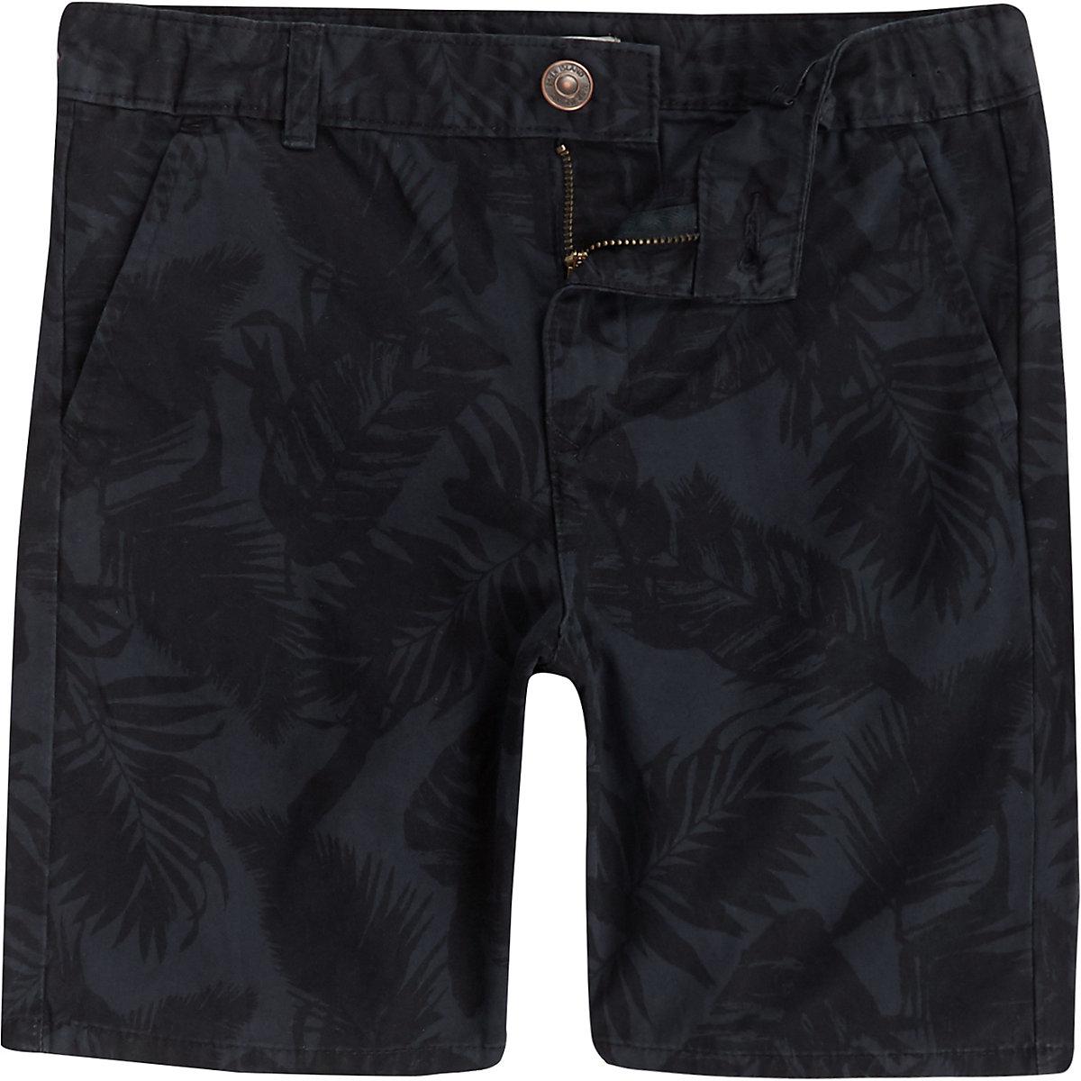 Marineblaue, geblümte Chino-Shorts