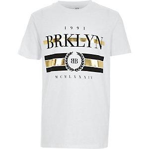 T-shirt blanc à imprimé métallisé « Brooklyn » pour garçon