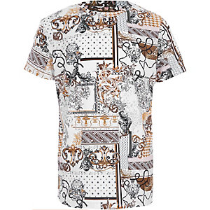 Boys white baroque print crew neck T-shirt