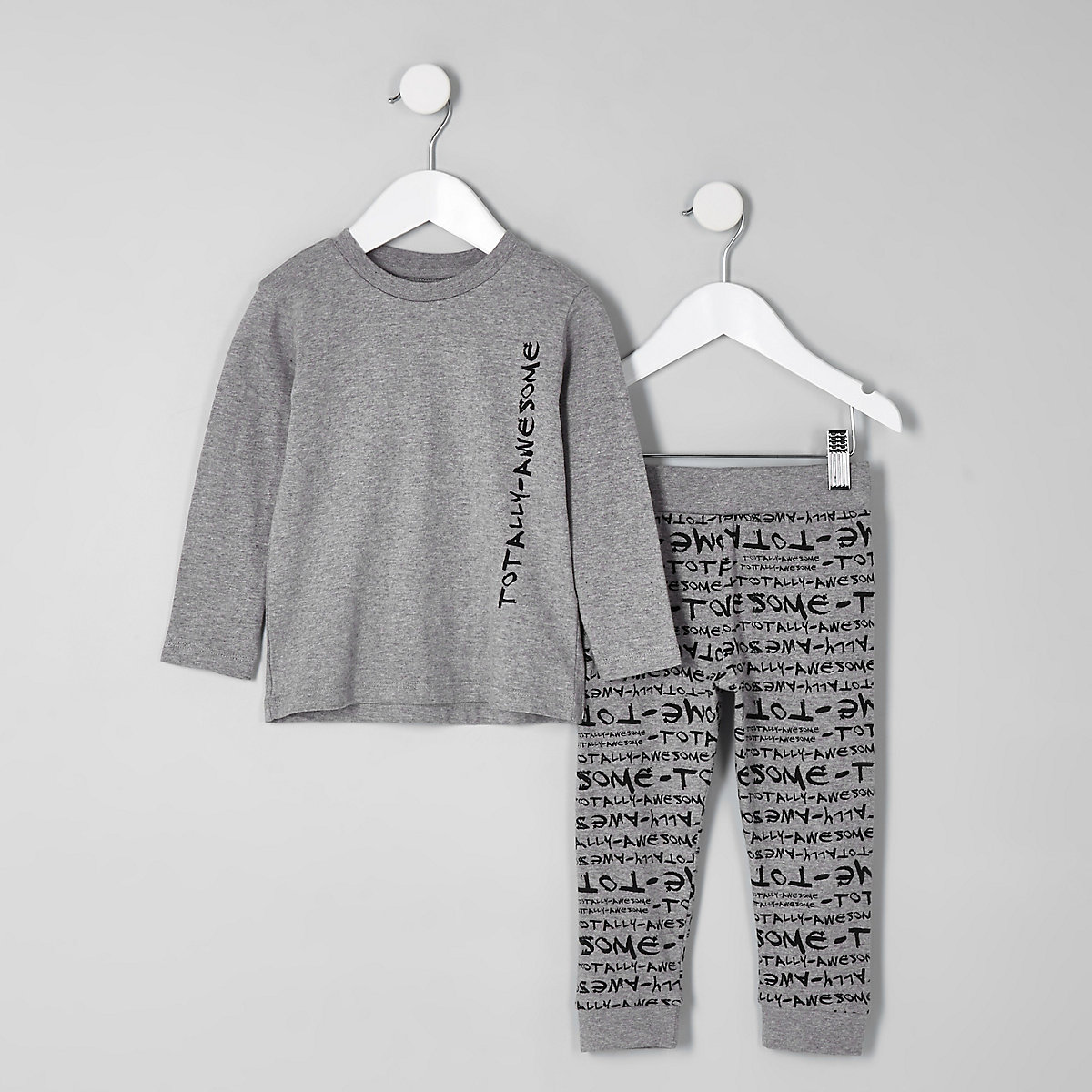 Mini boys grey 'totally awesome' pajama set