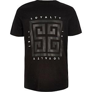 Zwart glimmend recht T-shirt met 'Loyalty'-print voor jongens