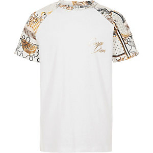 Boys white 'carpe diem' raglan T-shirt