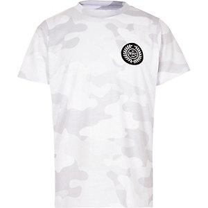 T-shirt à imprimé camouflage blanc avec badge « NYC » pour garçon