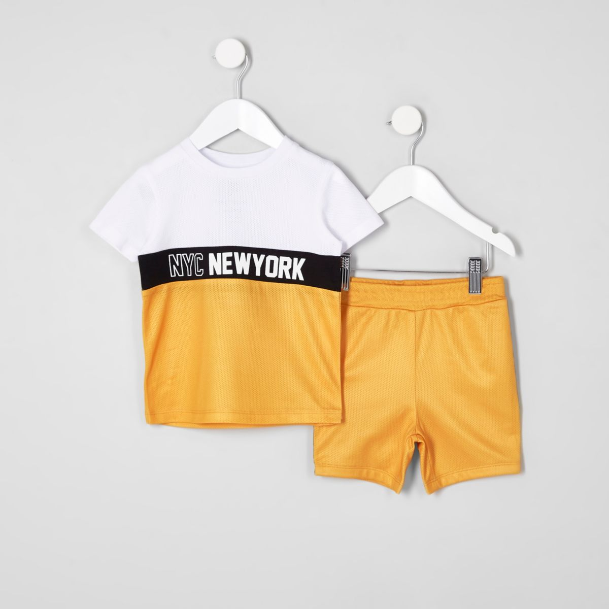 Mini boys yellow block T-shirt outfit