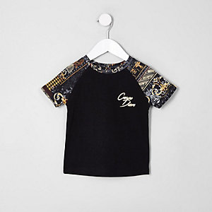 Mini - Zwart T-shirt met 'Carpe diem'-print en raglanmouwen voor jongens