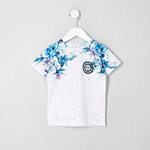 Blaues, geblümtes T-Shirt