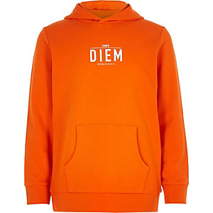 Sweat « carpe diem » orange à capuche pour garçon