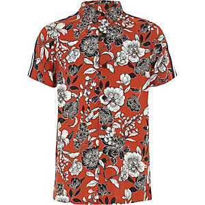 Boys red floral print tape shirt