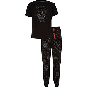 Boys dark grey skull print studded pyjama set